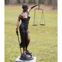 Bronzefiguren - Justizia