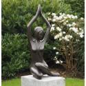 Bronzefiguren - Grazie kauernd