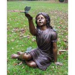 Bronzefiguren - Mädchen mit Schmetterling