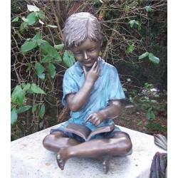 Bronzefiguren - Junge mit Buch