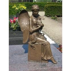 Bronzefiguren - Engel mit Kreuz